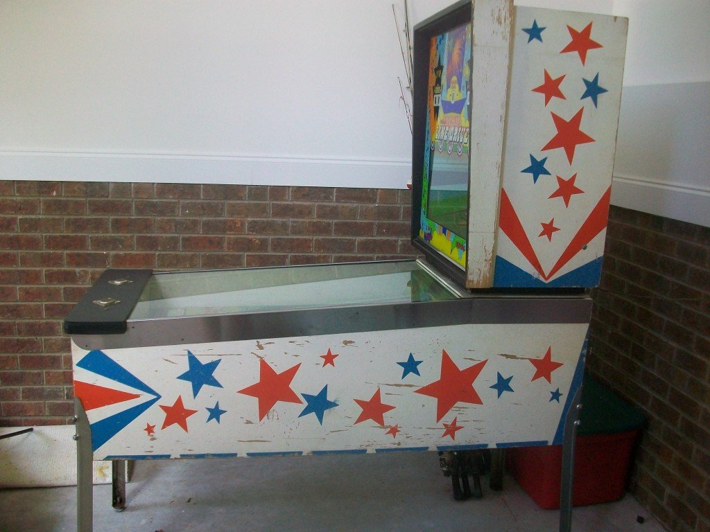 line drive pitch and bat pinball right side cabinet