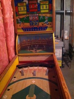 "Short Stop, Deluxe is a Pitch and Bat ""Pinball"" machine with a wonderful animated backglass!"