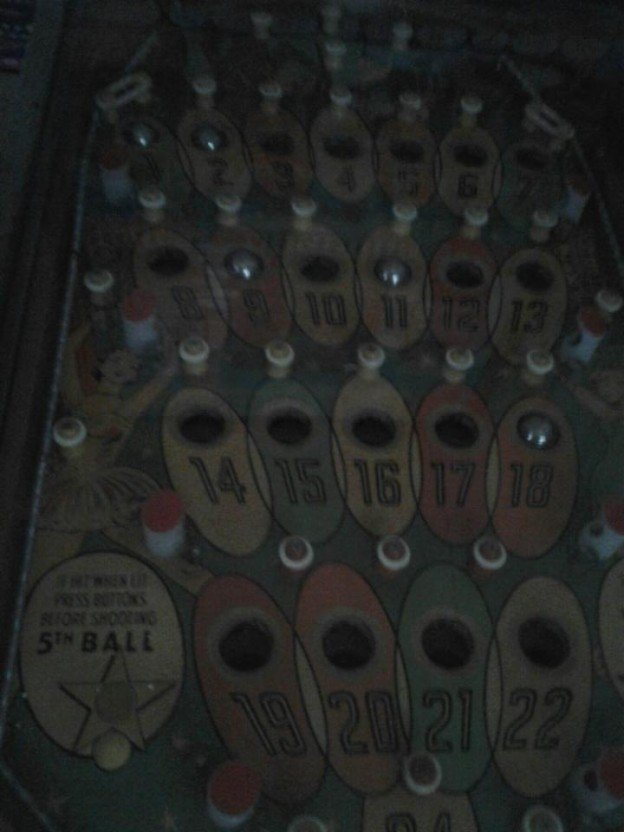 playfield on 1933 Western bingo machine.