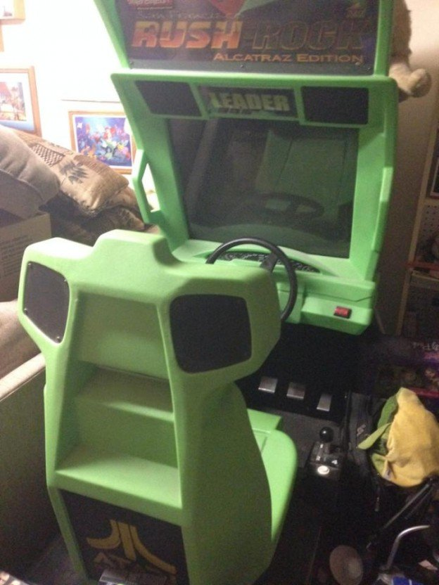 San Francisco Rush Rock Alcatraz Edition video arcade game.