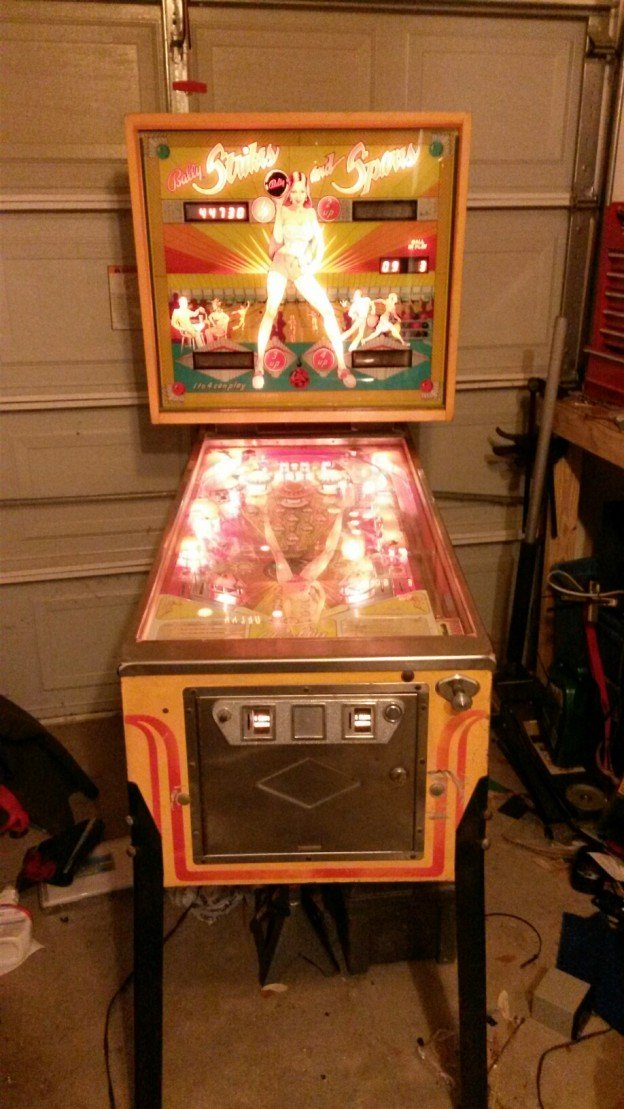 full game Strikes and Spares pinball machine for sale