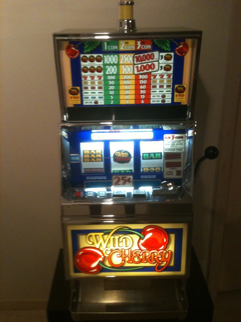 By Here Pay Here >> wild cherry slot machine for sale Minneapolis, Minnesota - We buy pinball machines. Sell your ...
