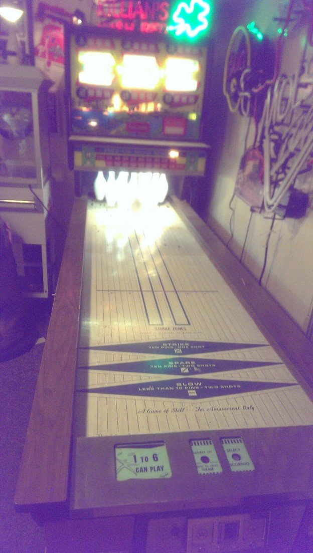 Full Game Twin Cities shuffle bowling ally game for sale in Philadelphia