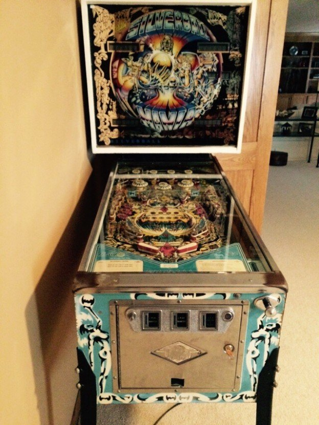 Bally silverball pinball machine for sale in Woodbury, Minnesota
