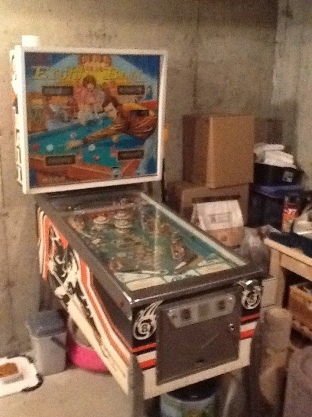Bally Eight Ball pinball machine forsale in Haverhill Massachusetts